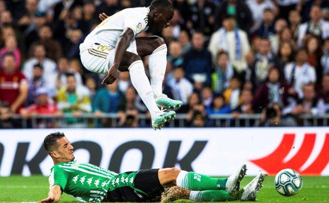 Betis odoleo u Madridu, Real i Barsa izjednačeni na vrhu!