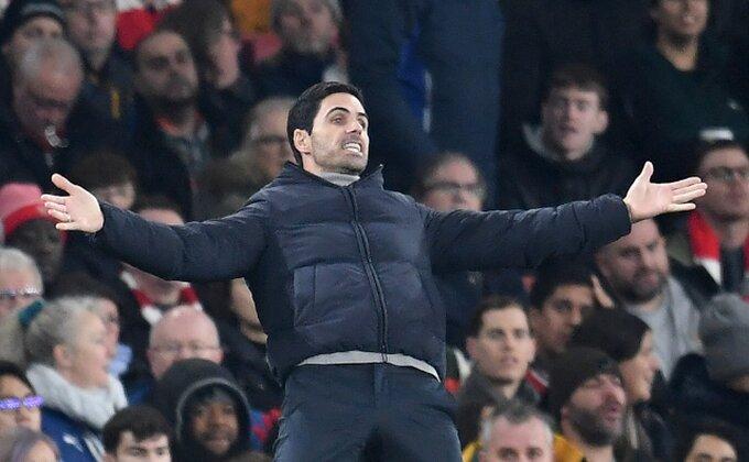 """Arsenal pravi ponovo biznis sa """"dogama""""?"""