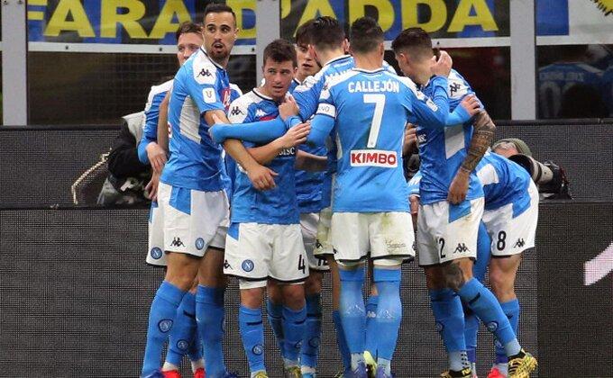STOP strancima u Napoliju!
