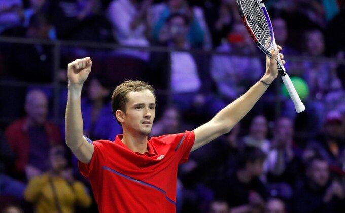 Cicipas se oprostio od Šangaja, novo finale za Medvedeva!