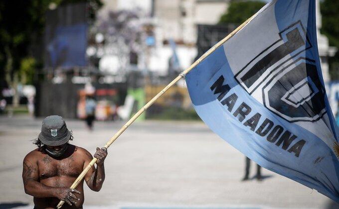 Napoli večeras u posebnim dresovima, u Maradoninu čast!