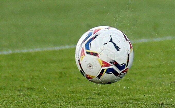 Ludnica u Granadi - preokret, tri crvena, tri gola, Valensija pala u finišu