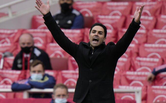 Arsenalovo rešenje za krizu, prodaš kapitena, dovedeš Srbina i još dvojicu?