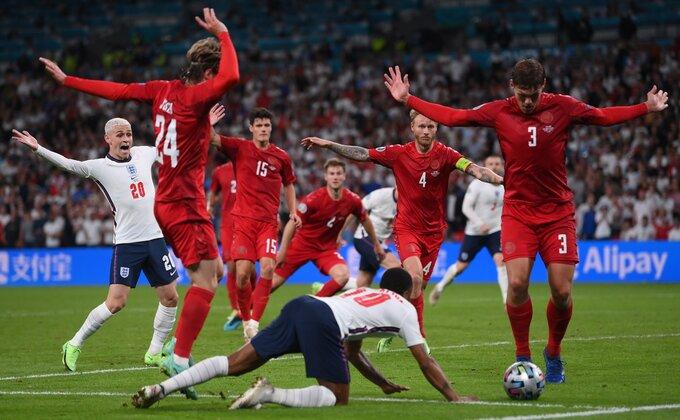 Selektor Danske ogorčen zbog penala za Englesku