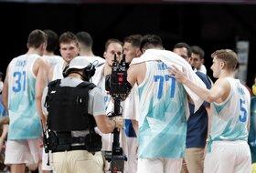 ''Ludnica'' u Ljubljani, stigli košarkaši iz Tokija!