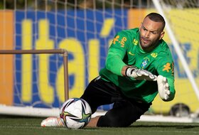 "Drugi golman Brazila ukrao šou Mesiju i Nejmaru, ""rolanje"" pa - projektil!"