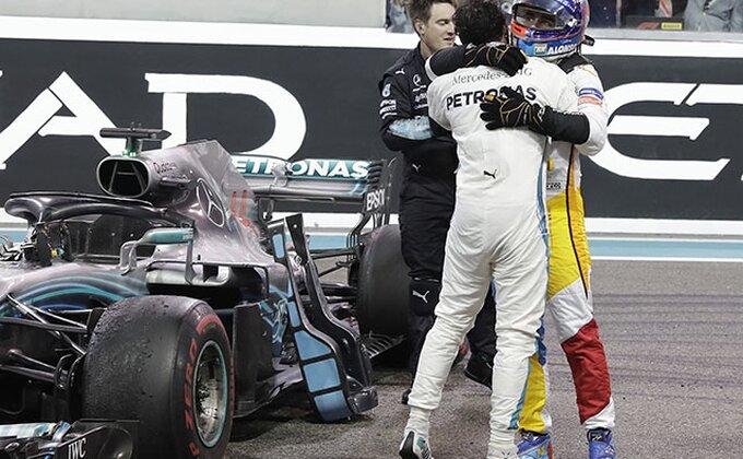 F1 - Hamilton pobedio u Meksiku, teorija ga deli od nove titule, incident u finišu!