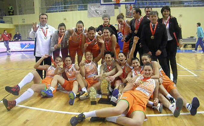 Košarkašice Hemofarma osvojile Kup
