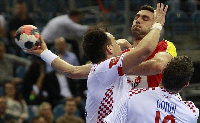 Jeste li videli kako je francuski golman savladao hrvatskog kolegu?