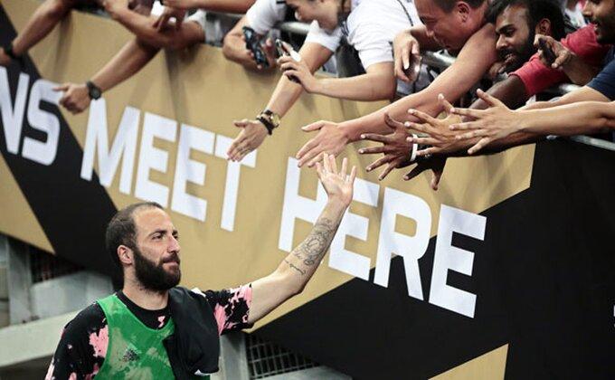 Sramno, Iguain poludeo na treningu Juventusa!