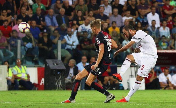 Iguain se upisao, ali ništa od pobede Milana