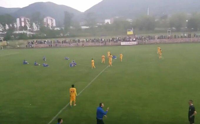 Ovako su fudbaleri Jagodine NA TERENU izrazili protest zbog sudijskih odluka