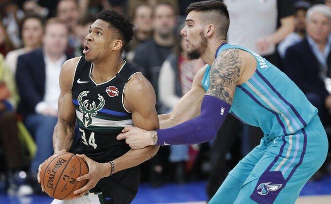 NBA - Monstruozni Janis srušio Hornetse, čudesni dabl-dabl!