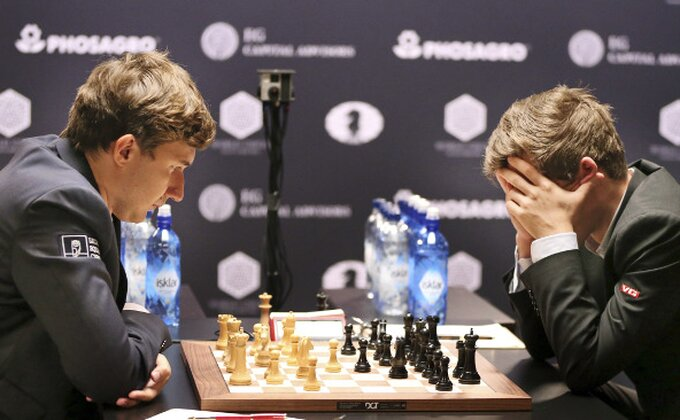 Ko će biti prvak sveta u šahu? Karlsen sve nervozniji, svet se divi Karjakinovoj odbrani!