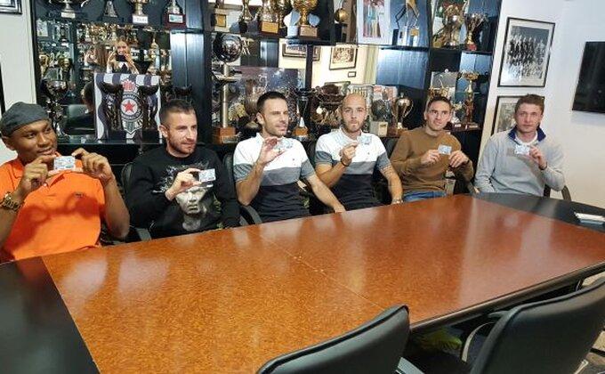 Fudbaleri Partizana kupili sezonske karte za košarku