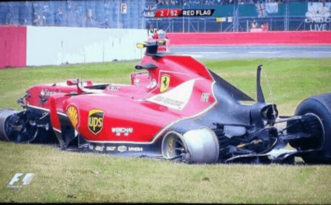 F1 - Buran početak u Silverstonu, težak udes Raikonena!