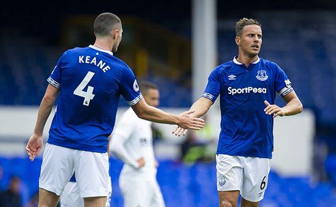 Evertonova glavobolja u narednih mesec dana!