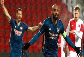 Arsenal se utrkuje sa Vest Hemom i nudi Lakazeta za napadača