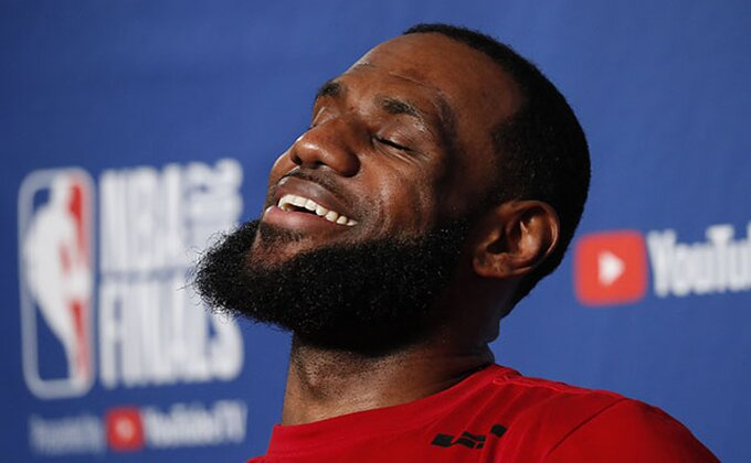 """LeBron otkrio šest favorita za osvajanje """"prstena"""", očigledan izostanak jednog tima!"""