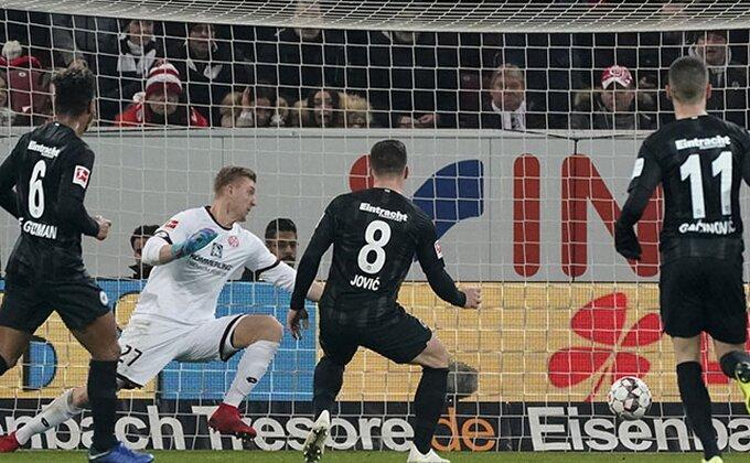 Bundesliga - Lukina dva dovoljna za bod u Majncu, Riberi rešio derbi kola!