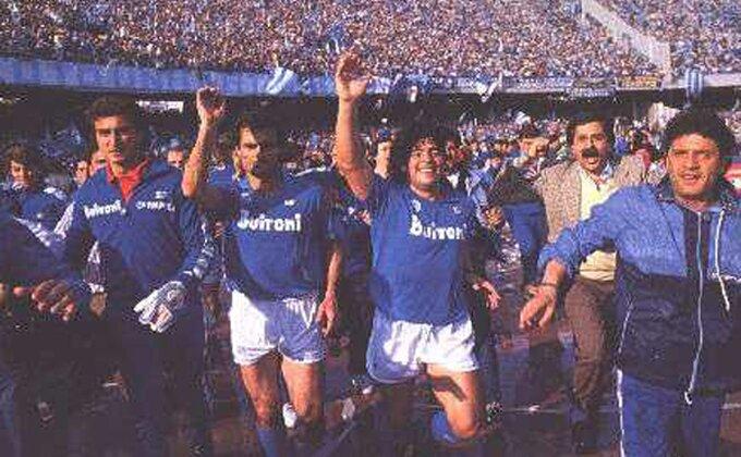 Jedna sasvim obična priča iz Napulja - Isus, Bogorodica i, naravno - Maradona...