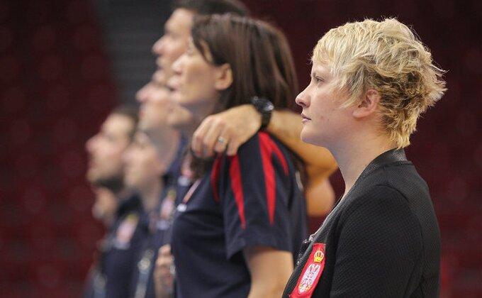 Selektorka i košarkašice Srbije obišle štand Unicefa