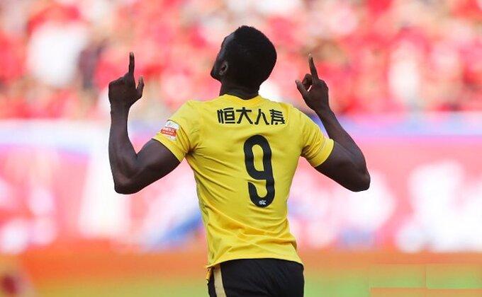 Kupuje Milan i poklanja najboljeg igrača!