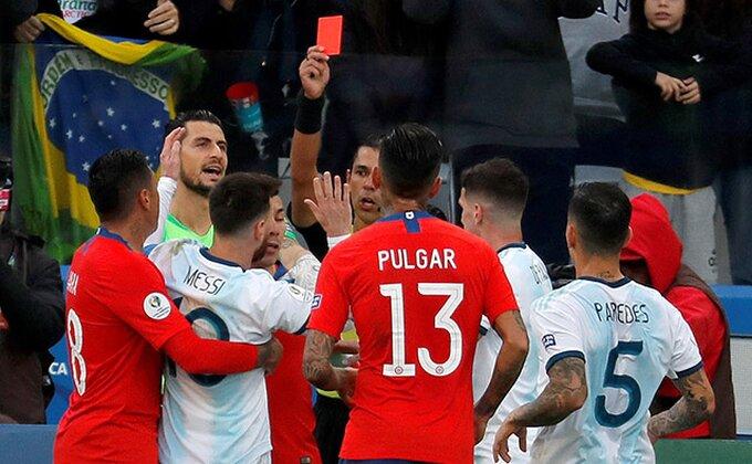 """""""Gaučosi"""" vode, Mesi se """"potukao"""" i dobio crveni!"""
