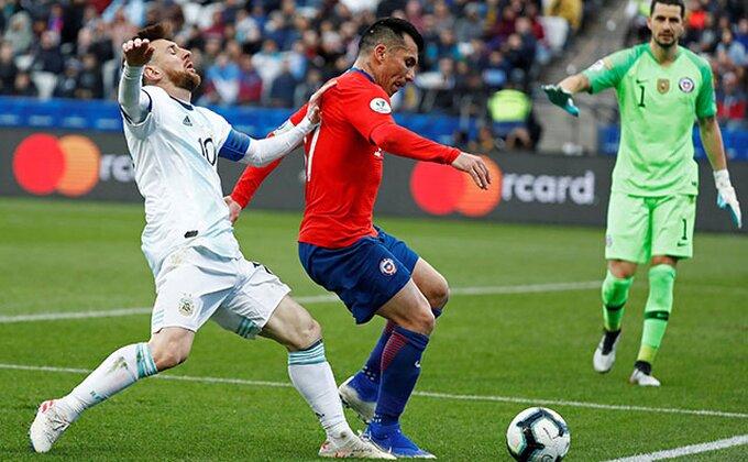 Mesi pocrveneo, Argentinci konačno dobili Čile, ovoga puta samo za utešnu nagradu!