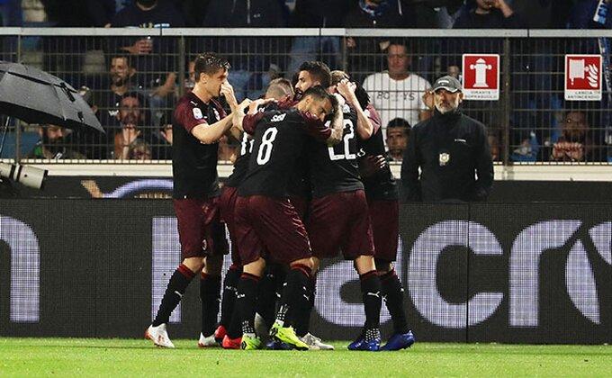 """Milan rasteruje """"starce"""", defanzivac napustio """"San Siro""""!"""
