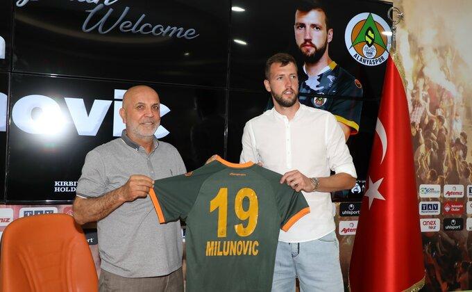 Nemanja Milunović napustio Zvezdu, predstavljen u novom klubu!