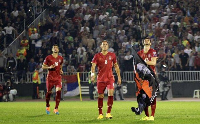 Podrška Mitroviću iz Frajburga!