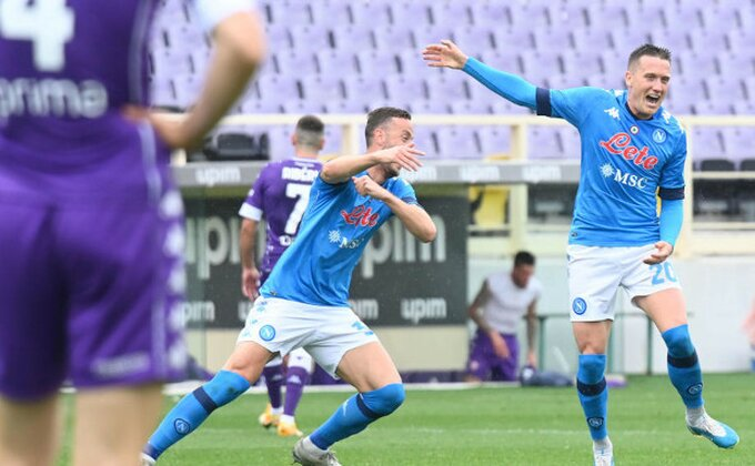 Napoli pokorio Firencu, Juventus u poslednje kolo van Lige šampiona
