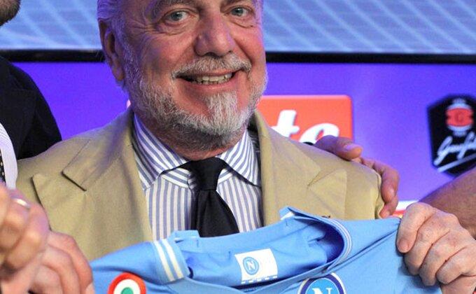 Napoli bi da pomrsi planove Juventusu