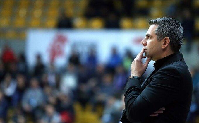 """Trener Zadra uči beogradske novinare o košarkaškoj istoriji: """"Mladi ste vi, ne sećate se..."""""""