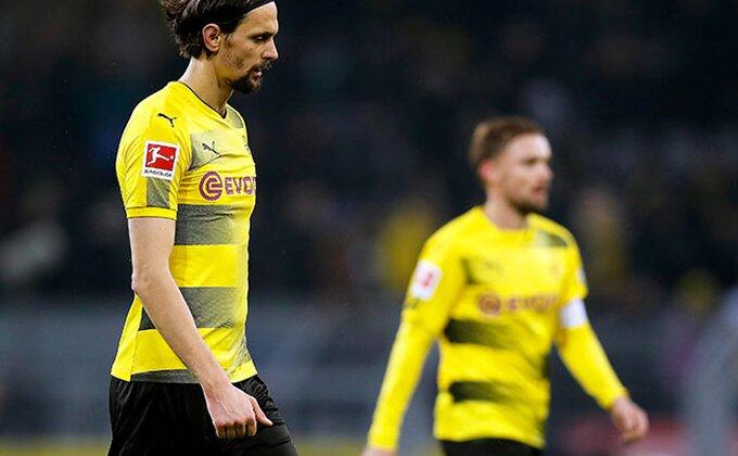 Gotovo - Novi defanzivac u Dortmundu, Subotić i Bartra na izlaznim vratima!