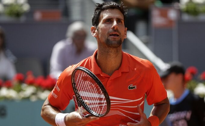 Pa, oni nisu prepoznali Peđu Mijatovića?! Pogledajte kakve legende su došle da čestitaju Novaku na tituli!