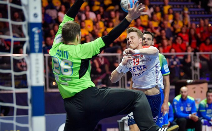 EP - Norveška se oporavila od šoka, Slovenci platili ceh
