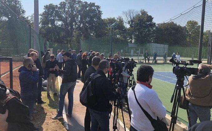 Veliko interesovanje novinara, pogledajte detalje sa Novakovog treninga u Beogradu
