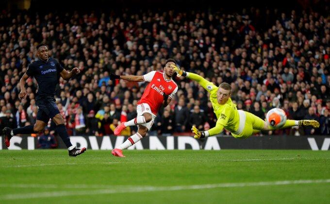 Arsenal nalepio cenu za kapitena, rivali spremaju ponudu, pitaju se i Italijani!