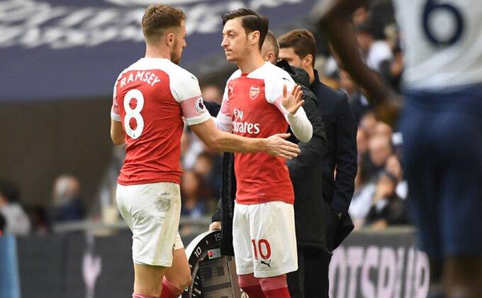 Kakav posao, i novi klub i novi brend za Mesuta Ozila!
