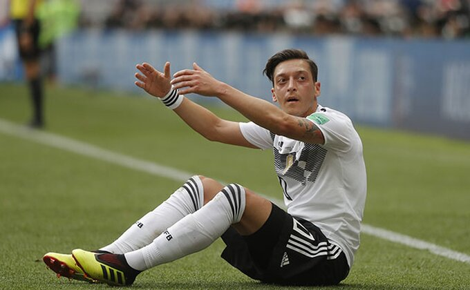 """Ozil rekao zbogom """"Pancerima""""!"""