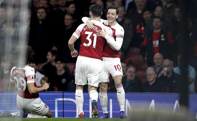 """PL: Zaplesao Ozil, Arsenal demolirao """"Trešnjice"""", beznadežni Fulam jednom nogom u Čempionšipu!"""