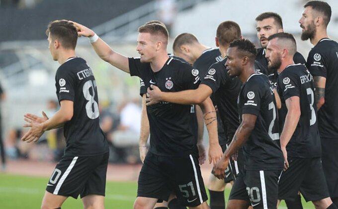 Gotovo, napadač napustio Partizan!