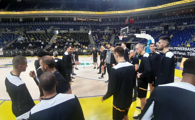 Poluvreme - Partizan razigran protiv evroligaša, navijače posebno raduje jedna činjenica (TVITOVI)