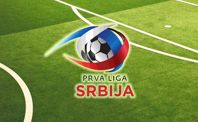 Lakrdija u Novom Pazaru - Sudija pokazao na penal pa promenio odluku, fudbaleri Radničkog hteli da napuste teren!