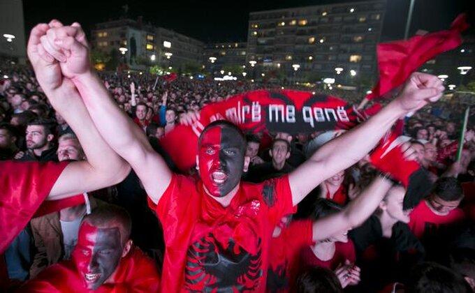 U Prištini slavlje nakon prekida utakmice
