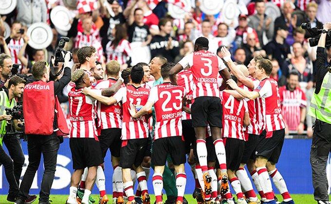 PSV spakovao šest komada Vilemu