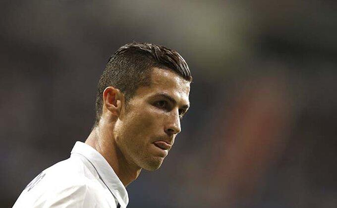 Ronaldo, pa ovde si morao da dodaš!