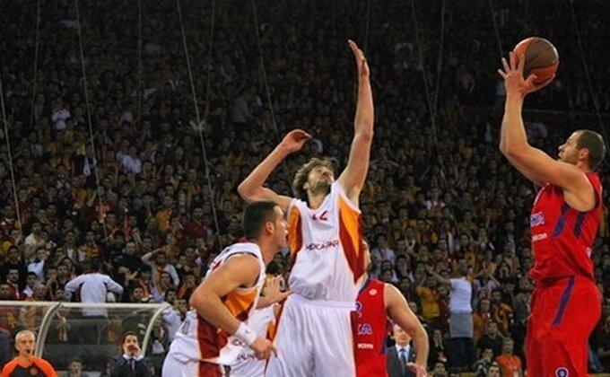 EL: Prvi poraz CSKA, Barsa lako u Kaunasu